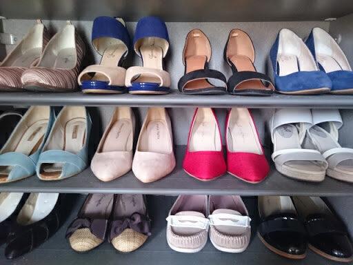 靴やブーツの中